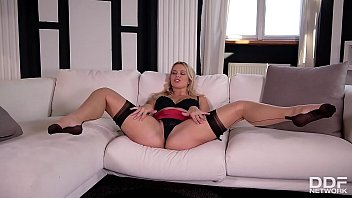 Curvy blonde goddess Nikky Dream fills her Milf pussy with vibrating toy