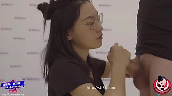 June Liu 刘玥 / SpicyGum – Blowjob and footjob by a Chinese Cutie with high heel and black pantyhose