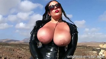 Latex Lady S. - BBW