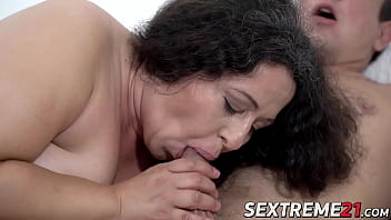Lusty granny Lila Tuft pounded before tasting juicy cum
