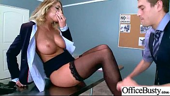 Superb Office Girl (August Ames) With Big Boobs Enjoy Intercorse movie-02