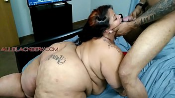 JUICY BOMBSHELL Plays with her toys and eats a cumshot!!!