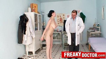 Breast Exam Of Big Natural Tits Babe Arkida Revees By Old Doctor