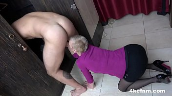 Streaming Video Granny Can't Be Left Unsupervised Without Sucking a Cock - XLXX.video