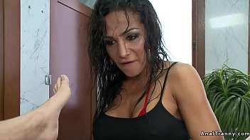 Trans girl man porno tube - Shemale anal fucks man in gyms shower