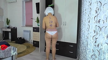 CoverMom got on her knees and allowed to fuck her ass in anal