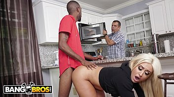 BANGBROS - PAWG Brandi Bae Loves Her Father's Friends, Especially The Black Ones