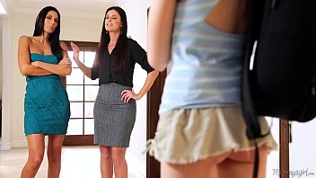 Mommy India Summer and Nikki Daniels helps Step-d. Hannah Hartman