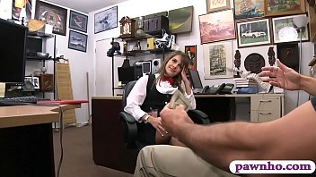 Petite amateur screwed at the pawnshop