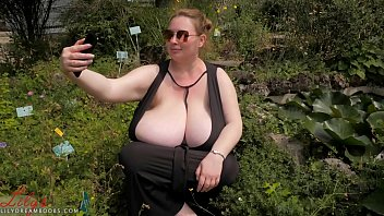 Saggy juggs 40 plus cunt Largest natural breasts - guinness world records