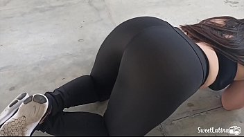 real latina \/ arab with huge ass trains with her plug in her anus