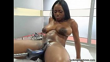 Hot Busty black girl wilth Fuckingmachine Thumb