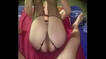 Wife needs to be fisted so she can squirt