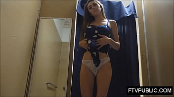 Teen masturbate in changing room
