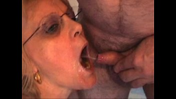 A Mature Slut Fucked In Her Mouth By A Dick The Small
