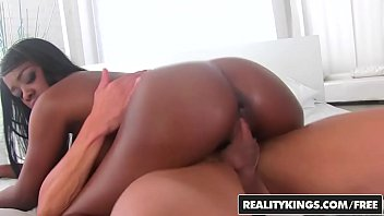 RealityKings - Round and Brown - Yummy Christie
