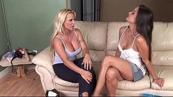 Stephanie mature - Two hotties who use everything to come
