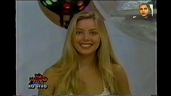 Luciana Pereira na Banheira do Gugu - Domingo Legal (1997)