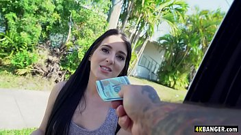 Black haired babe fucks for easy cash – Jessica Jewelz