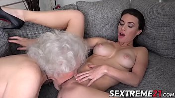 Love pussy who woman - Young chick and senior woman are two nasty lesbian girls