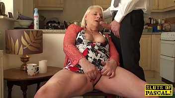 British Granny Fingerfucking Herself 10 Min