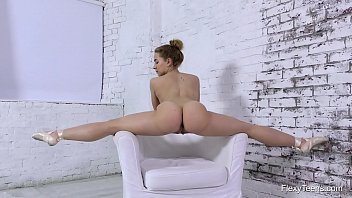 Nara Mongolka hottest flexible babe