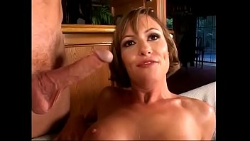 Milf whore in nylon stockings Saskia gets picked up for some hotelroom fun