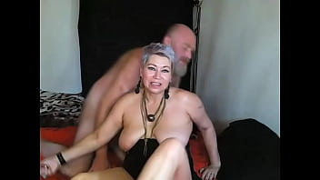 Mom and dad fuck in a private show)) Come on, daddy, cum in mommy's mouth!
