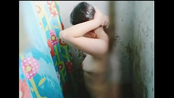 Argentinian sister-in-law in the shower (realizes and leaves the recording)