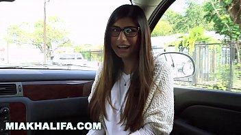 MIAKHALIFA - Mia Khalifa Tries A Big Black Dick And Likes It