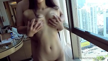 (Amateur) Sex with a petite Chinese slut