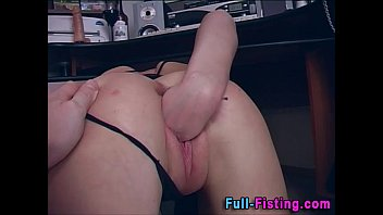 Pussy Fisted Slut Gets Warm Facial