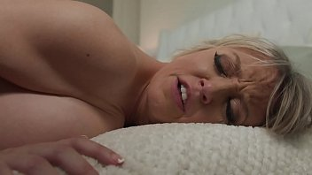 Big Tit Milf Dee Fucks Step Son For Cum On Tits