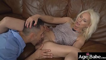 Szandi'_s bushy pussy got licked and   fingered by horny young man Mugur