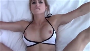 Hot missionary sex with fit girlfriend thumbnail