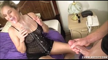Seductive milf loves the taste of cock