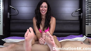Jacky Oh's Sexy Foot Smelling Handjob