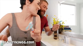 (Xander Corvus, Olive Glass) Fight In The Bathroom And End Up Fucking - Reality Kings 11 min