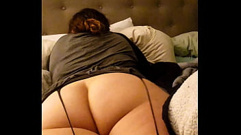 RUDE TALL CREAMY WIFE PAWG ASS WORSHIPPED WHILE SHE LOOKS AT INSTA