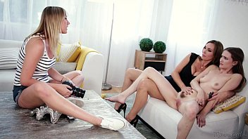 Mom, Daughter and the photographer - Tanya Tate, Samantha Hayes, Brett Rossi صورة