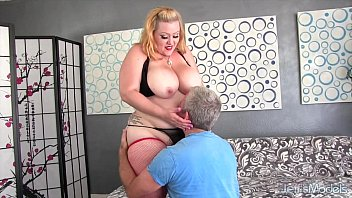Cum bunnys - Big ass and boobs girl takes fat cock