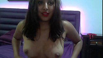 NRI Indian Woman on Webcam 2 - More Videos on bangingtube.easyxtubes.com