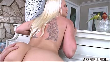 Damn gorgeous Stevie gets pussy rammed by her gentlemans big cock
