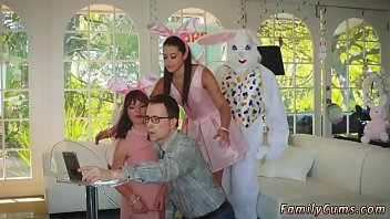 Step mother teaches pal'_s daughter hd and married daddy first time