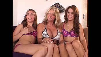 Sexy young babes with nice bodies Sindee Coxx, Dakoda Brookes and Heather Hurley lick their pussies and fuck with toys