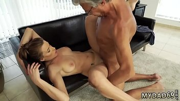 Daddy playfellow'_s daughter '_ companion xxx Sex with her boypatron&acute_s