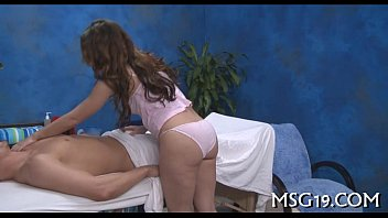 Cute massage gal ready for sex 5分钟