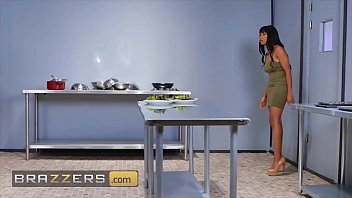 Threesome With (Jenna Foxx, Julie Cash, Maserati) - Brazzers