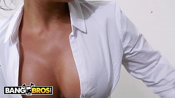BANGBROS - Big Ass Real Estate Agent Rose Monroe Gets Carried Away With Dildo thumbnail