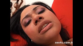 Monique Carvalho masturbates and gets her pussy dripping - Demo
